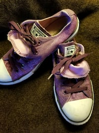 Converse All Star size 5Y! Fits woman 6-7!  Erlanger, 41018