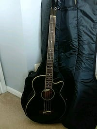 Bass guitar, acoustic, with case Gainesville, 20155