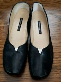 pair of black leather flats McLean, 22102