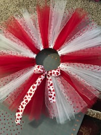 Girls 2T valentines tutu Plymouth, 55446