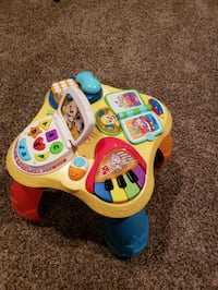 Fisher price table Sycamore, 60178