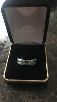 Silver-colored ring with box Nokesville, 20181