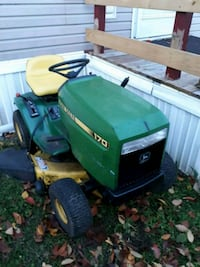 John Deere 170 has new battery seat 78 km