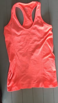 Size small women's workout tank  Windsor, N9E 3E3