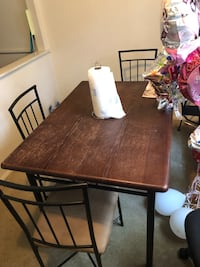 Dining table set with 3 seats