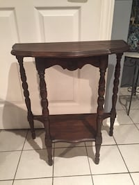 Brown wooden 2 tier accent table Vaughan, L4J 1L5