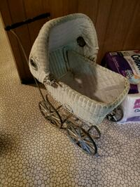 Antique baby carriage Orland Hills, 60487