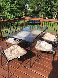 black metal framed glass top table with chairs Riverside, 45404