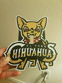 Chihuahuas light switch plate  El Paso, 79936