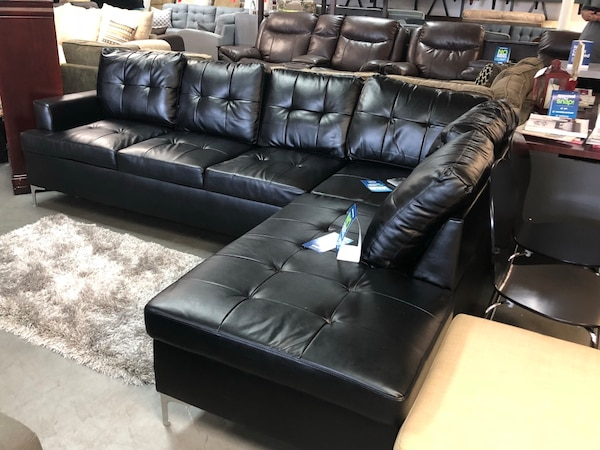 Used tufted black leather sectional sofa for sale in Dallas - letgo