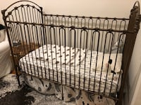 Beautiful canopy crib New York, 10023