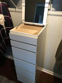 White drawers with mirror