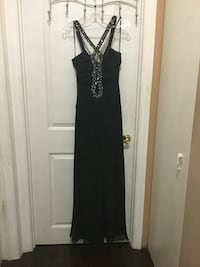 Black dress size 6 Toronto, M9L 1A3
