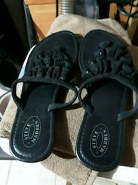 pair of black leather sandals West Springfield, 22152