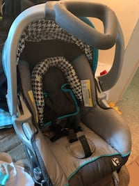 Baby car seat and 2 bases Alexandria, 22306