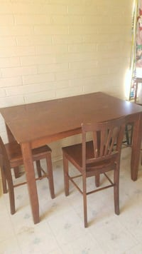 Brown wooden table Tucson, 85713