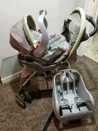Carseat,stroller and base Medicine Hat, T1B 2R7
