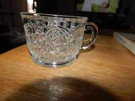 Punch bowl glass's  (18)  small  NO PUNCH BOWL