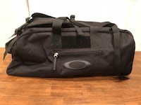 New Oakley medium size duffel backpack combo
