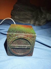 I home portable speaker Essex, N8M 1J9