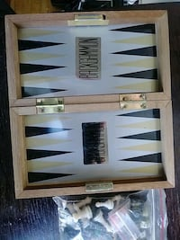 Backgammon/Chess/Checkers wooden travel game conplete!