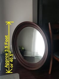 BEAUTIFUL MIRROR IN SOLID/HEAVY/WOOD ROUND FRAME by KINCAID  Brampton