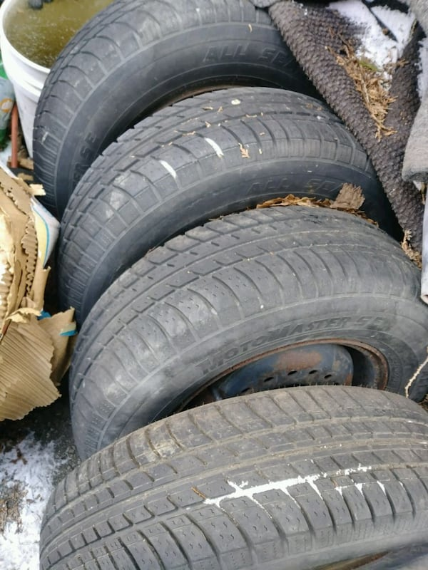 R14, R15 and R16 set of 4 tires with 5 holes rims each. b9924c9a-d4fd-4217-9381-48b06f4be8e6