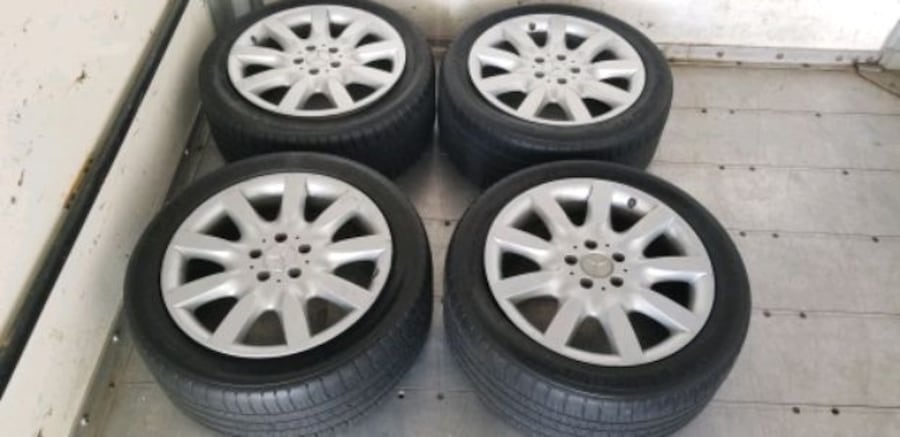 4 18 in OEM mercedes wheel off s500 like new new t 8fd60cd1-735d-45ae-a689-a067476bdcdd