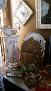 Antiques And Collectibles Calgary, T2Y 2W5