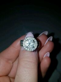 Diamond engagement ring  Barrie, L4M 5G6