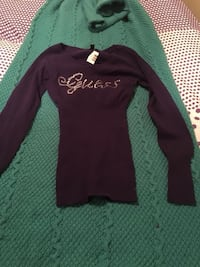 Guess; small sweater London, N5V 4Y8