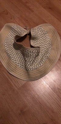 brown wicker basket with lid St Catharines, L2R 3M2