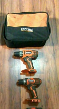 NO BATTERIES* 2 Ridgid Drills