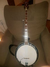 Aria  ( Deluxe ) electric Banjo  London, N6H 4P3