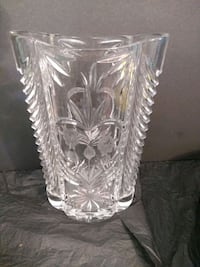 Crystal Vase heavy 12 inches tall  Burlington, L7R 3P8