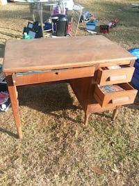 Vintage Wood desk Tallahassee, 32311