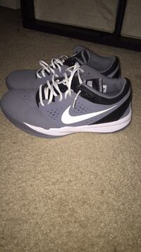 pair of black-and-gray Nike basketball shoes Chantilly, 20151