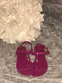 Coach Sandals Providence, 02905