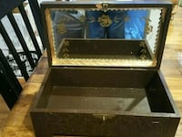 Vintage jewelry box  72 km