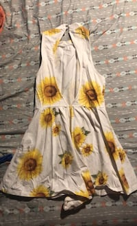 Sm sunflower romper  Fairhaven, 02719