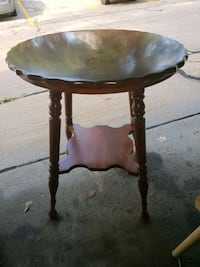 Antique two shelf table Omaha, 68144