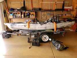 NEED AND PRICED TO SELL. Old Town Minn Kota 45lb thrust KAYAK&Trailer