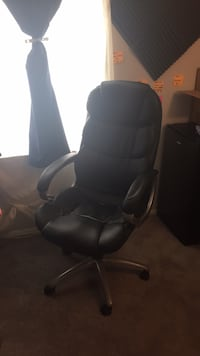 black leather office rolling armchair Owings Mills, 21117