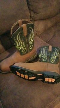 pair of brown-and-blue leather cowboy boots San Angelo, 76903