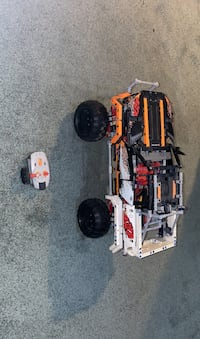LEGO TECHNIC 4x4 set 9398 DISCONTINUED SINCE 2012