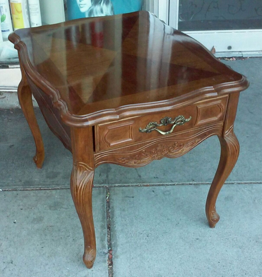 #19843 Stanley French Style End Table