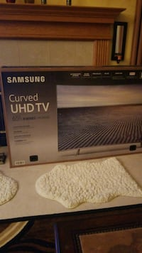 "Samsung curved 65"" 360 design  UHD TV box Hartland, 53029"
