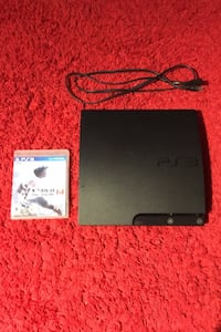 PS3 slim 2 games no controllers