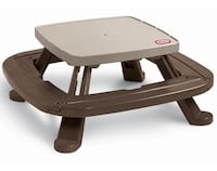 Little tikes picnic table in excellent condtion