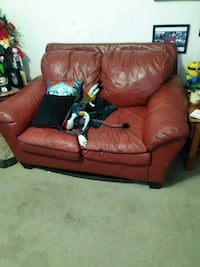 Couch Lemoore, 93245